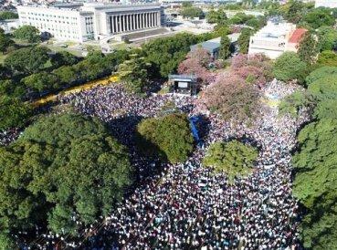 Más de 50 mil marchan contra el aborto en Argentina