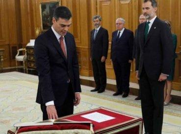 Nuevo presidente español se negó a jurar sobre la Biblia al tomar su cargo