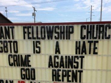 Iglesia expulsada de edificio alquilado tras pedir que gays se arrepientan
