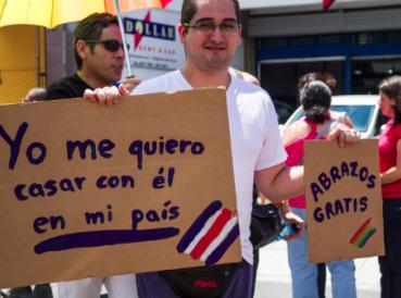 Justicia de Costa Rica ordena legalizar matrimonio homosexual