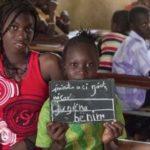 Tribu africana baila de alegría al recibir la Biblia traducida en su idioma