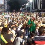 Multitud se reúne en vigilia de oración por Jair Bolsonaro