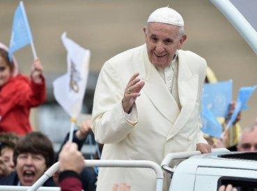 Vaticano defiende al Papa en medio de acusaciones encubiertas
