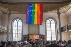 Iglesias pueden ser obligadas a contratar empleados gays