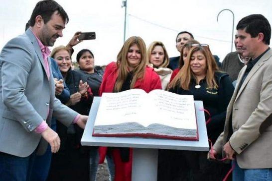 Intentan tergiversar un monumento a la Biblia en Argentina