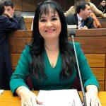 Senadora criticada por orar y citar la Biblia en Cámara Alta de Paraguay